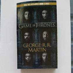 Geoege-R.-R.-Martin-/-Game-of-Thrones---Book